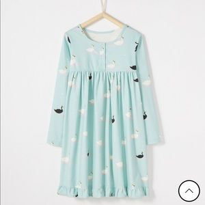 NWT Hanna Andersson Swan nightgown